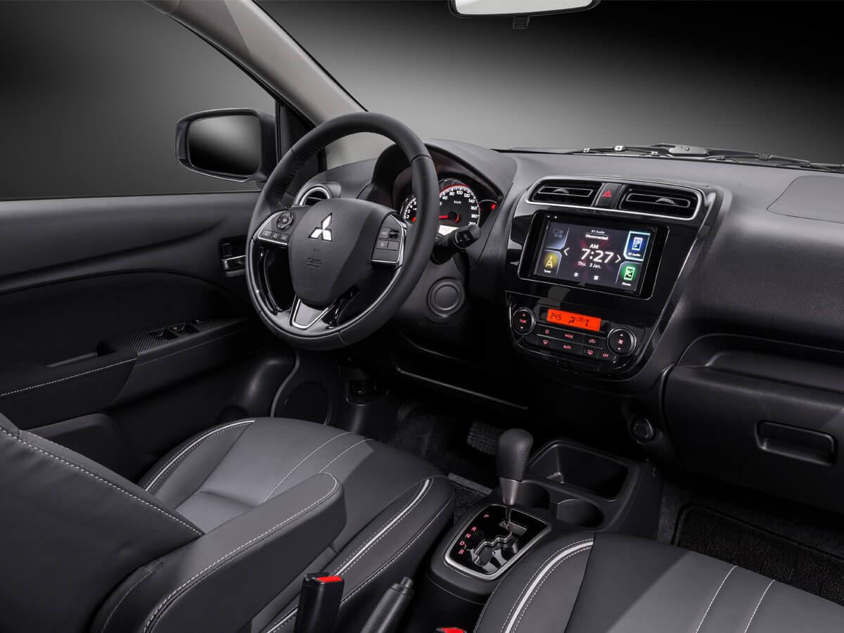 Khoang lái trên xe Mitsubishi Attrage 2020